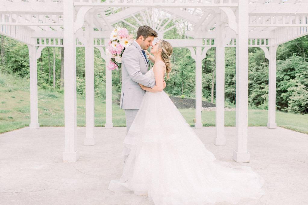 hayley-moore-photography-cincinnati-ohio-wedding-engagement-photographer-fort-wayne-indianapolis-cincinnati-weddings-rosewood-manor-magnolia-estate