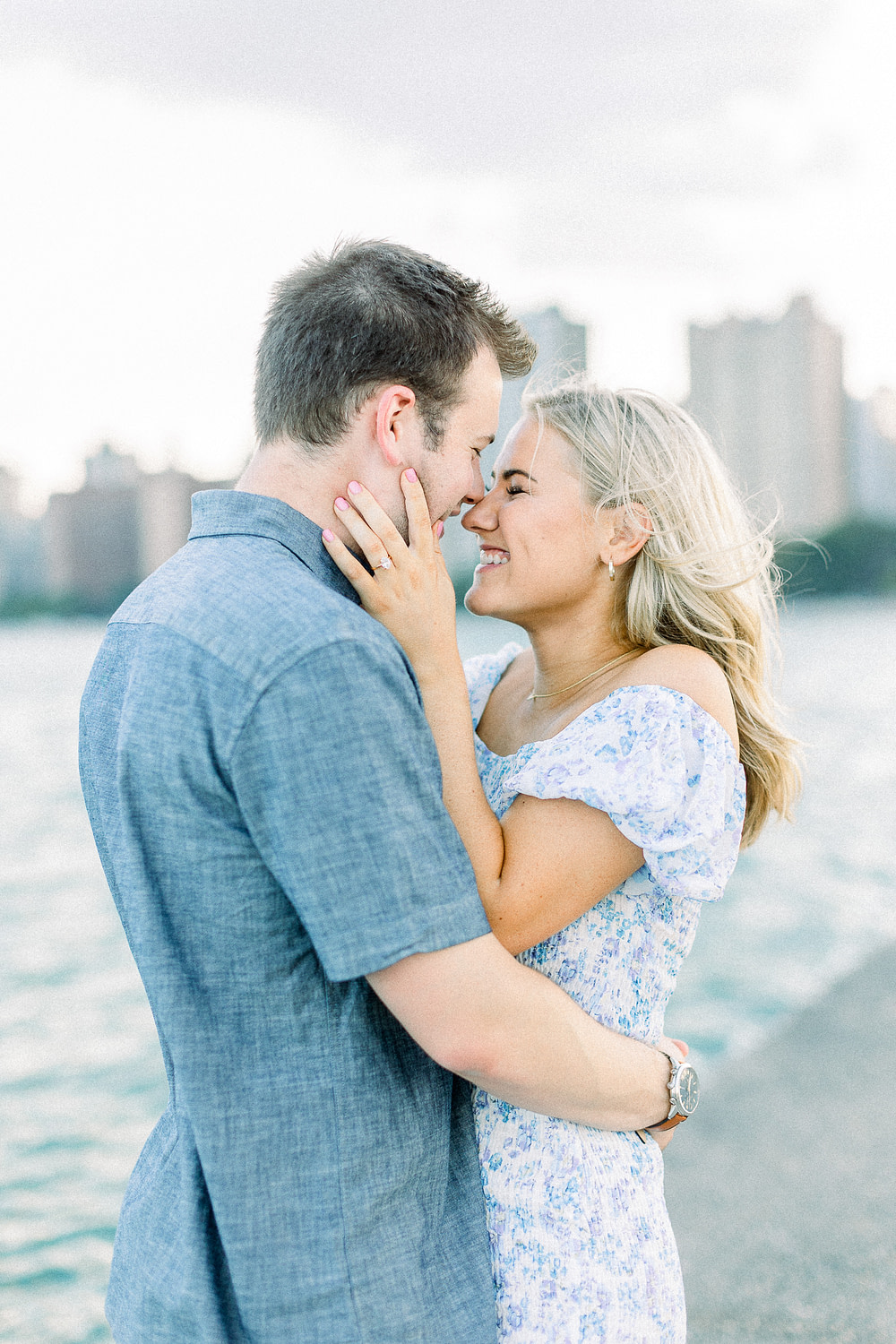 hayley-moore-photography-lauren-tony-downtown-chicago-engagement-photographer-cover